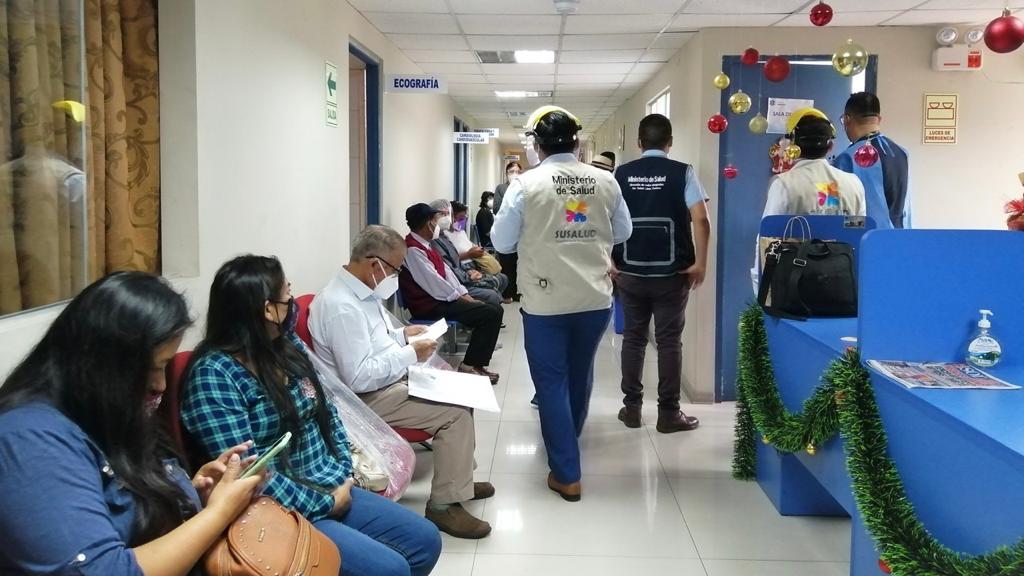 """Intervención a la """"Clínica Internacional Médicos Cubanos"""" (Foto: MINSA)."""