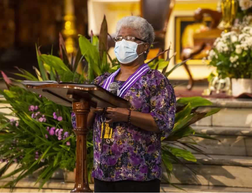 Mujeres en la lectura de la palabra, pràctica ahora formalizada por el papa Francisco (Foto: Arzobispado de Lima).