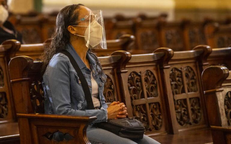 Fieles en la iglesia (Foto: Arzobispado de Lima).