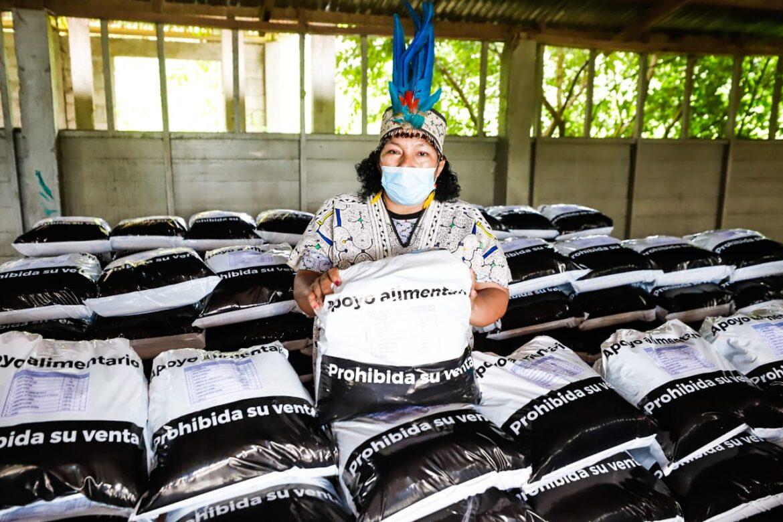 Pobladores indígenas reciben en Madre de Dios alimentos en pandemia (Foto: Ministerio de Cultura).