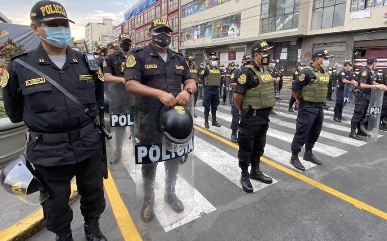 PNP refuerza seguridad y control en emporios comerciales de Lima (Foto: Mininter).
