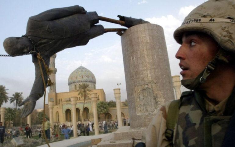 2003: en Irak, Bagdad cae en manos de las fuerzas de ocupación estadounidenses (German Madrid).