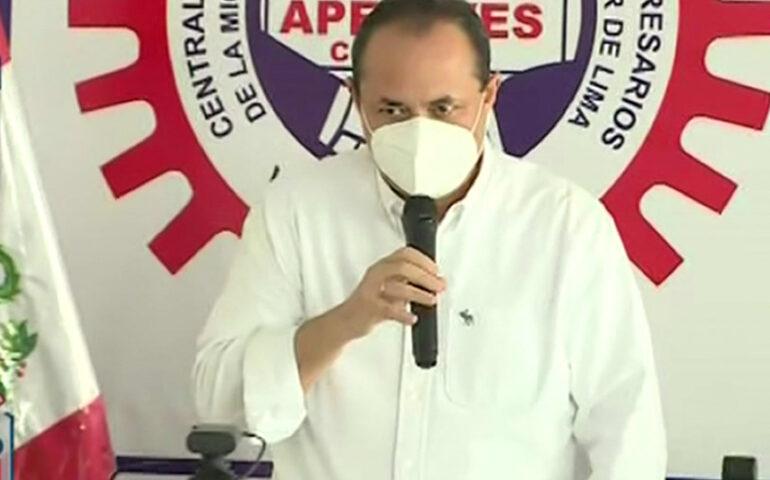 Luis Carranza en Villa El Salvador.