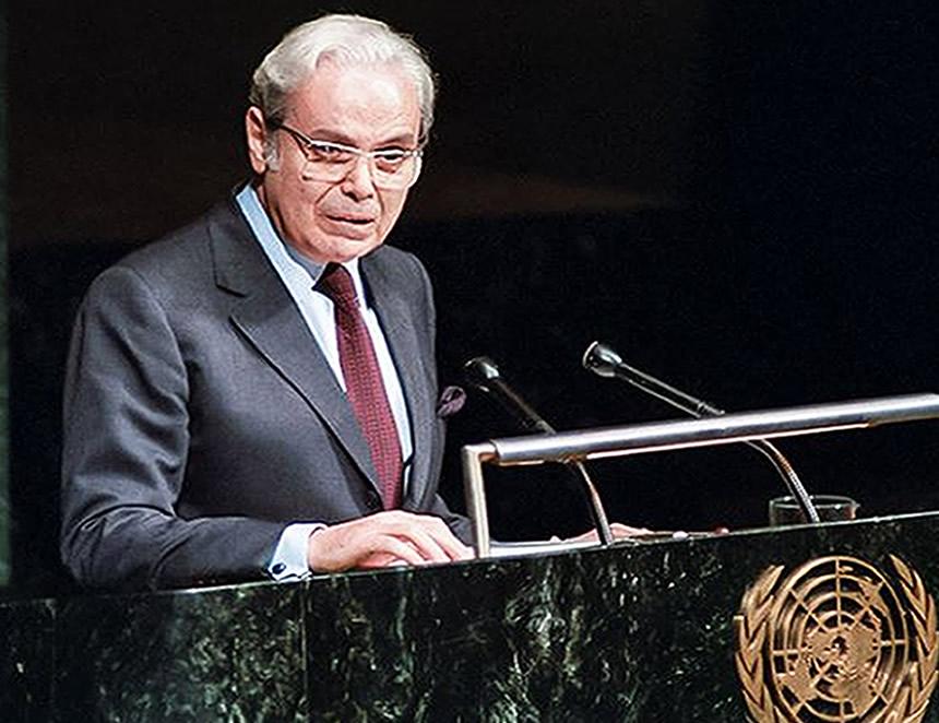 Javier Pérez de Cuellar: Hace 34 años exsecretario general ONU recibió el Príncipe de Asturias (Foto: Cancillería de la República).