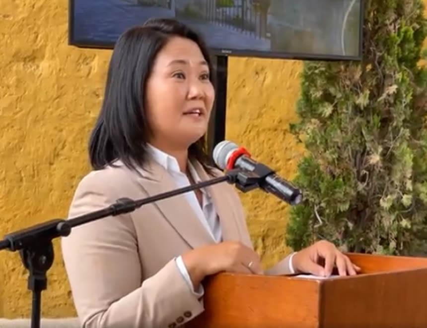 """Keiko Fujimori pide el voto para reivindicarse de, lo que llamó, """"los errores"""" cometidos (Captura Facebook)."""