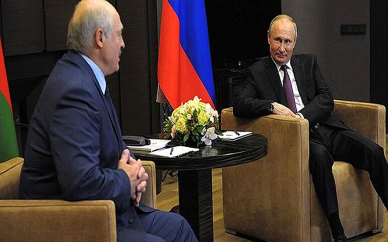 Vladímir Putin junto a su homólogo bielorruso, Alexander Lukashenko (Foto: en.kremlin.ru).