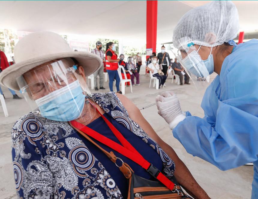 Contraloría y Minsa investigan supuestas irregularidades en vacunación con jeringas vacías (Foto: Minsa).