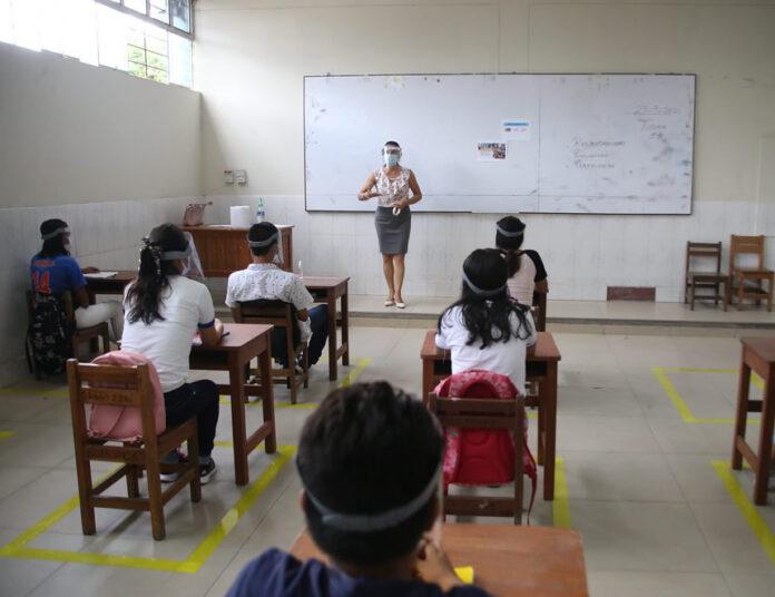 Dictado de clases en pandemia (Foto: Minedu).