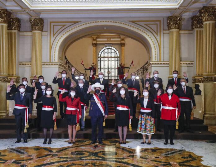 Presidente Pedro Castillo junto a los miembros que forman parte del segundo gabinete ministerial (Presidencia de la República)